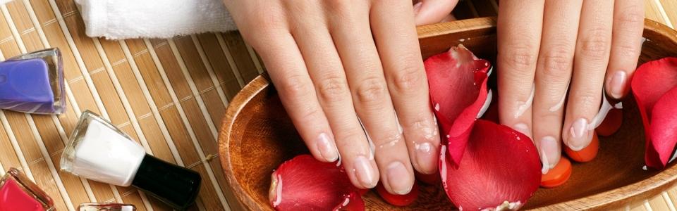 hand-spa-manicure